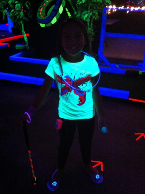 GlowPutt_3686